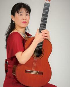 山本 久子 先生(火・金・土)クラシックギターフォークギター