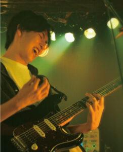 堀川 駿之介 先生(土)エレキギター・フォークギターエレキベース・ボーカル