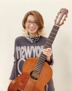 石井 茜チーフマネージャー火.木.金.土.日ギター全般、ベース、ウクレレ
